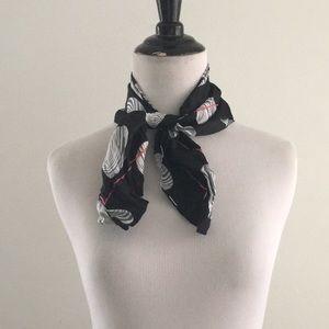 VTG pure silk sea shell 🐚 print black gray scarf